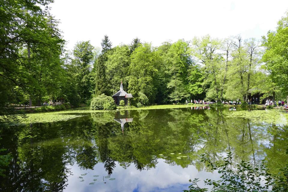 Rundgang im Englischen Garten zu Eulbach