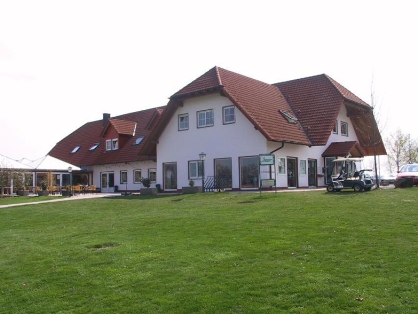 - Golfclub Gut Sansenhof