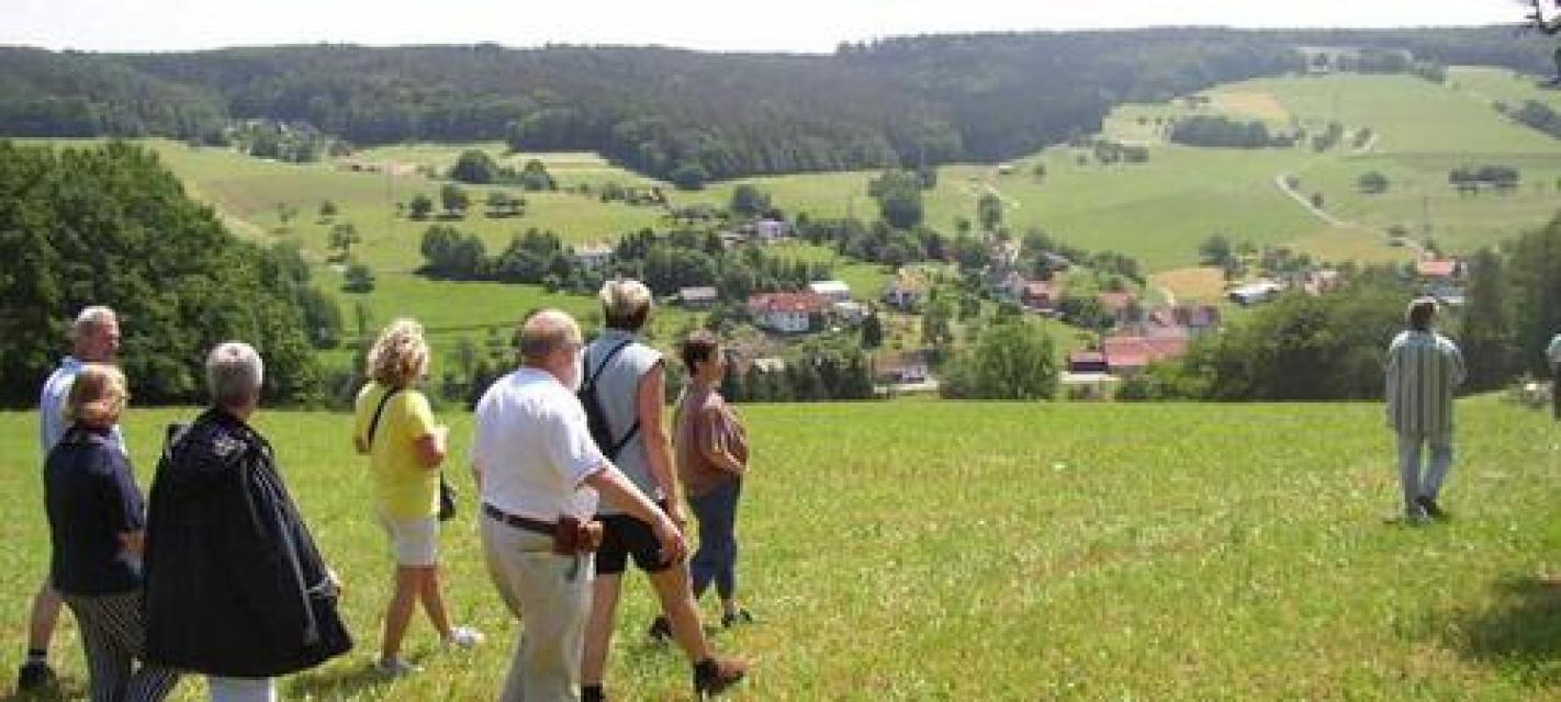 Nordic Walking Tour - Von Falken-Gesäß auf den Leichenbuckel