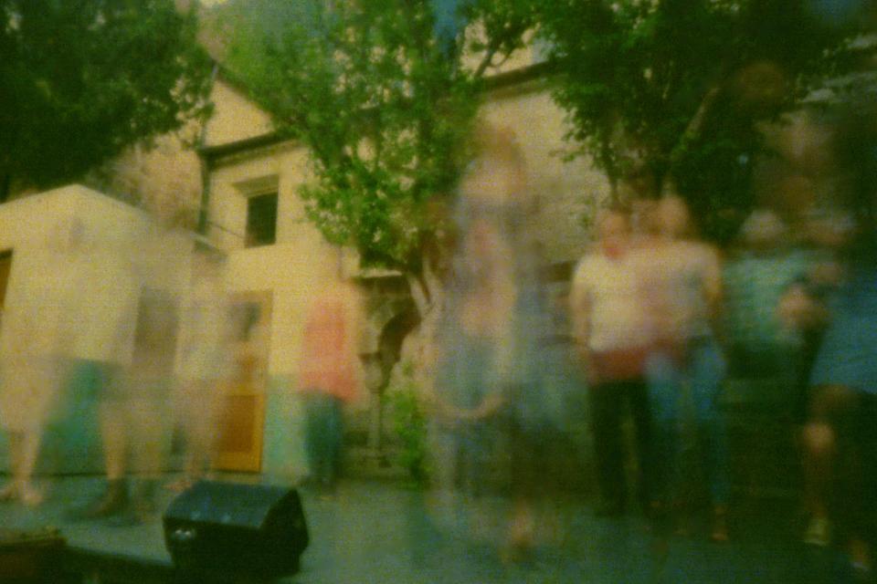 """Ausstellung """"Ihr naht euch wieder, schwankende Gestalten!"""" - Fotografien zu den Kreuzgangspielen"""
