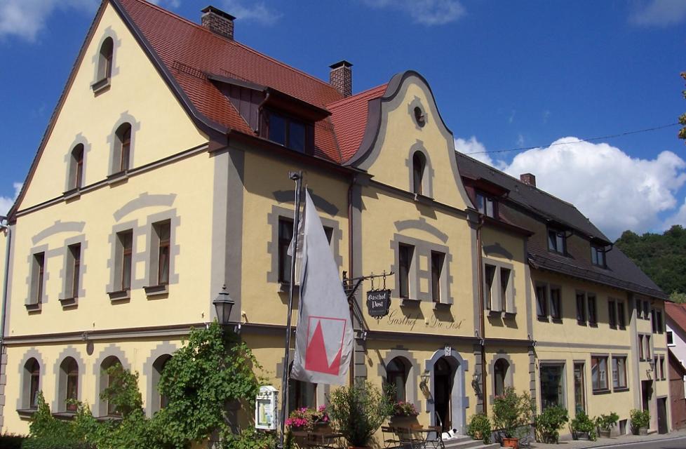 Hotel Die Post mit Brennerei Frankenhöhe