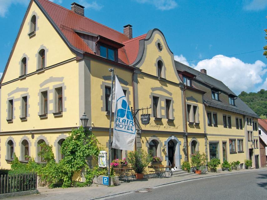 Flairhotel Die Post + Ferienhäuser am Ilsensee - Schillingsfürst
