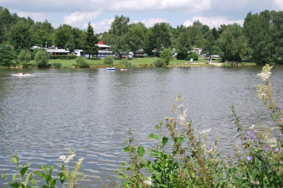 Badeweiher am DCC-Campingpark Dinkelsbühl