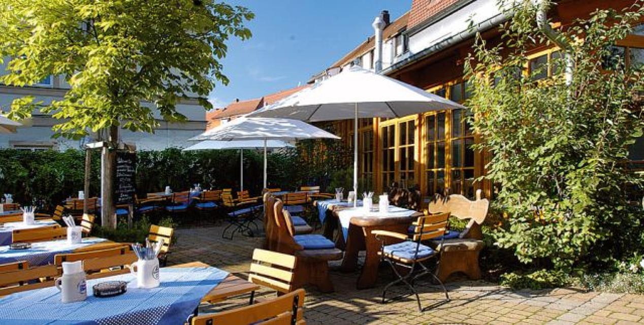 Gasthaus mit Karpfenhotel Sindel-Buckel