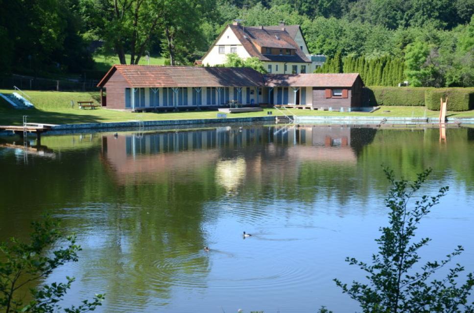 Fischhausbad - Naturbad am Waldrand