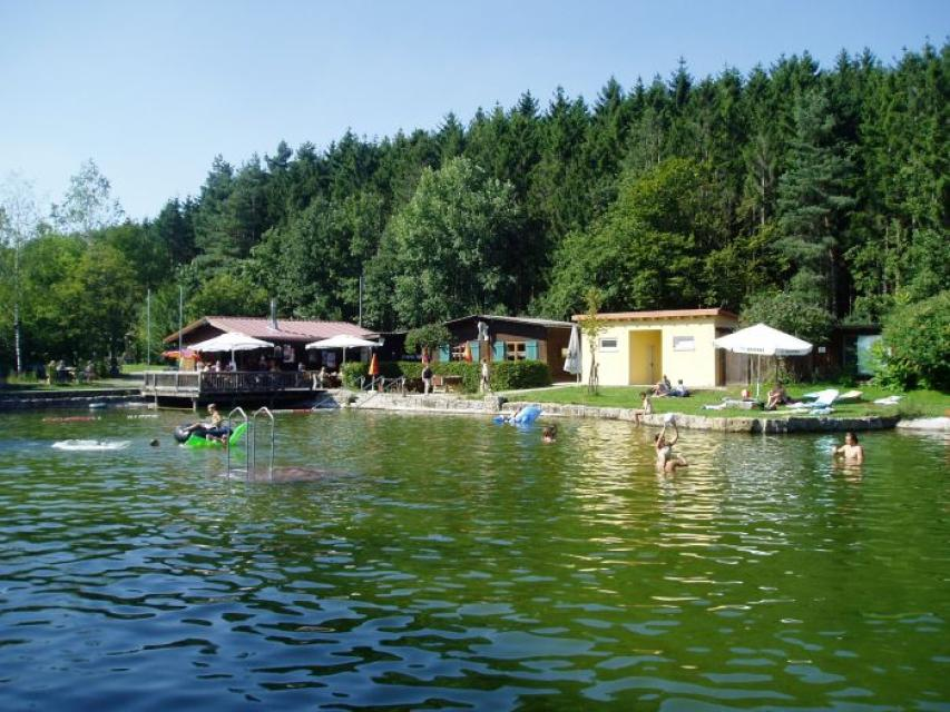 Camping- und Zeltplatz am Naturbad