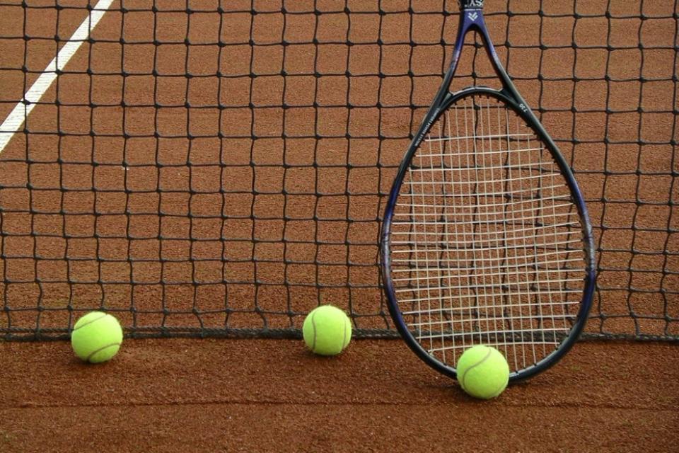 Tennisplatz Flachslanden