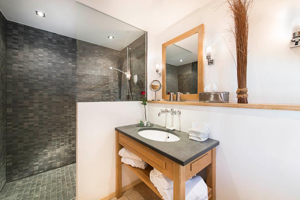 Badezimmer - © Chalet am Kiental