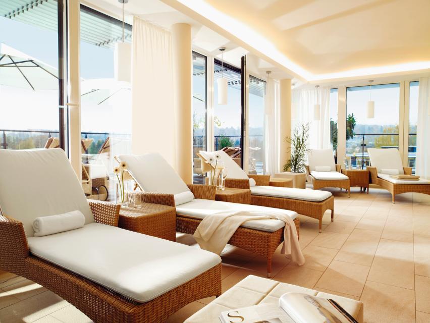 - Hotel Vier Jahreszeiten Starnberg GmbH & Co. KG