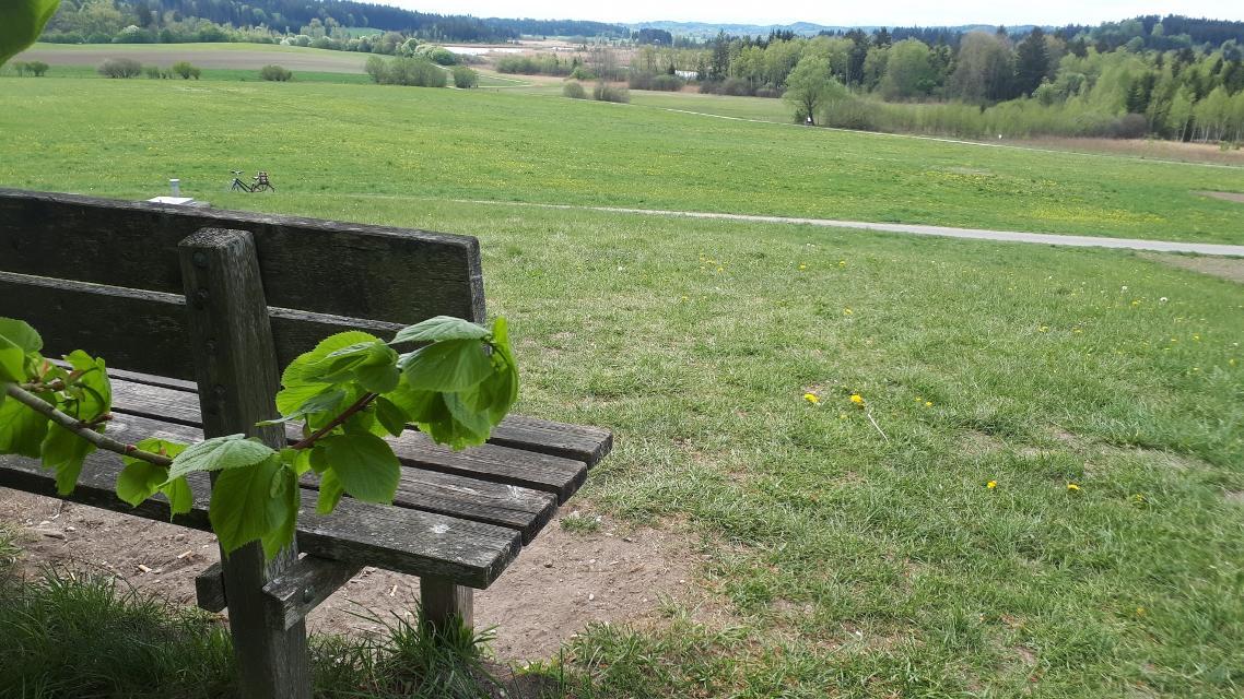 Aussichtsbank am Feldfeg Richtung Jägersbrunn