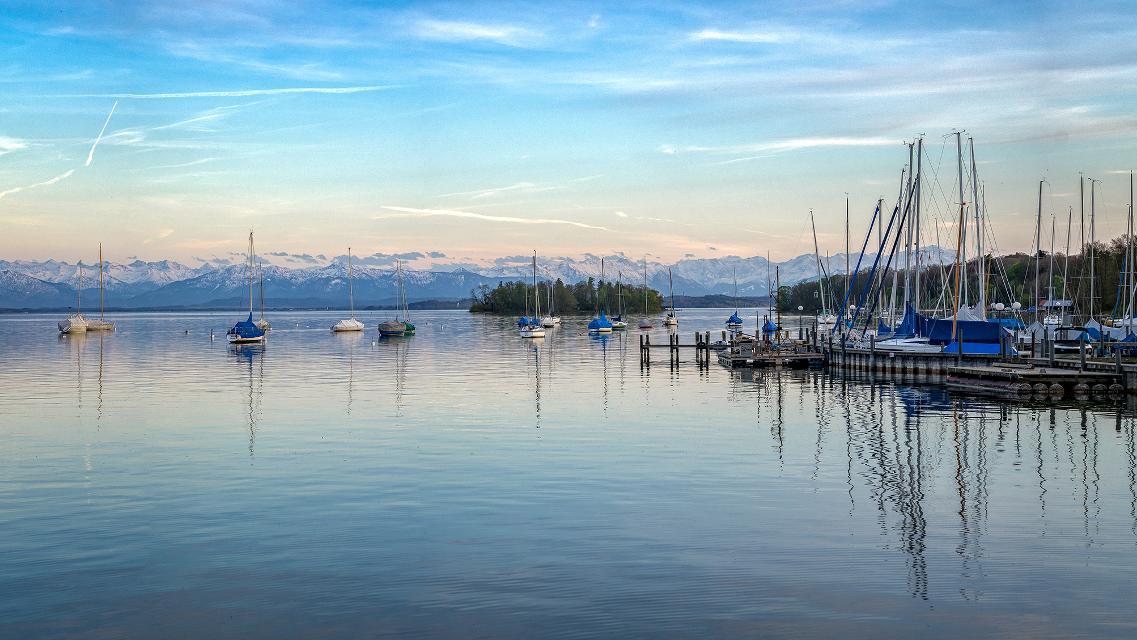 Starnberger See mit Alpenpanorama