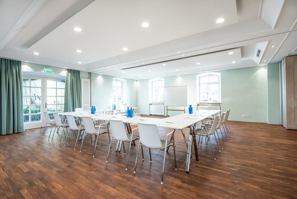"""Raum """"Starnberg"""" bietet sich an für Meetings, Hochzeitspartys und Geburtstagsfeiern"""
